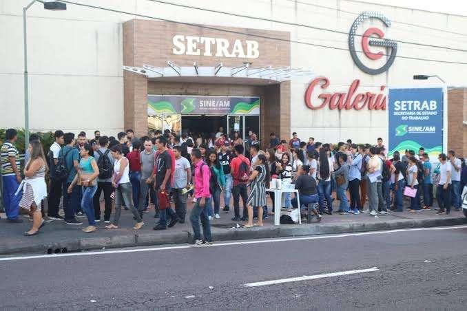 Setrab divulga 63 vagas de emprego para esta quarta-feira