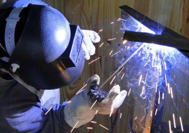 Empresa de grande porte no segmento de construção naval contrata: